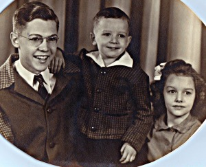 Bubba, Marilyn and Me              1945